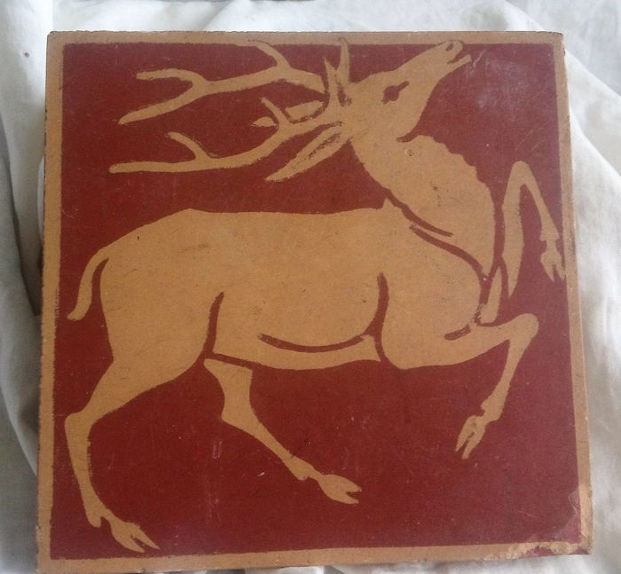Villeroy and Boch, Mettlach Art Nouveau floor tile with right walking deer