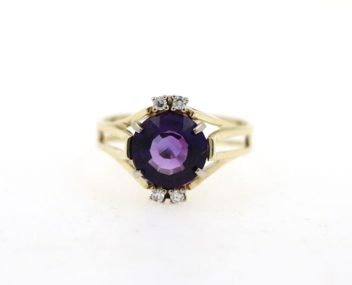 14 kt yellow gold women's ring vintage with a total of 0.08 ct diamonds and amethyst - ring size: 51 EU - free size adjustment