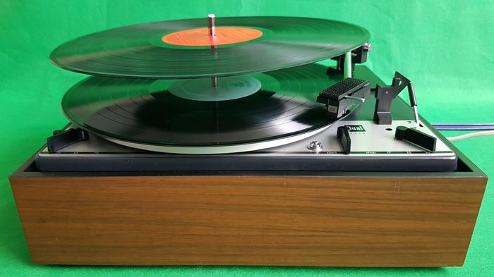 Dual 1214 CS11 automatic turntable with multiplay option