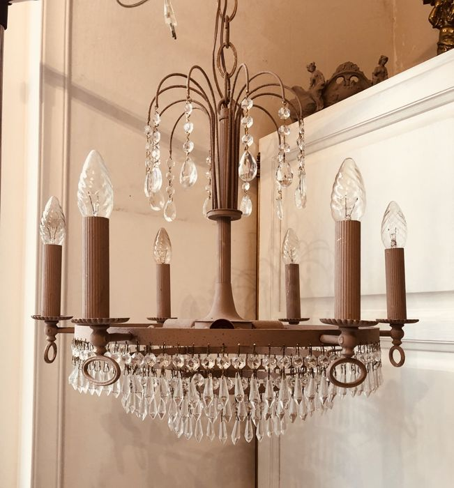 A beautiful French crystal chandelier with icicles, middle 20th century