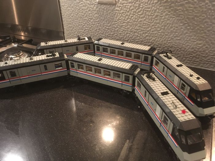 Train - 10001 - 2 Metroliner sets
