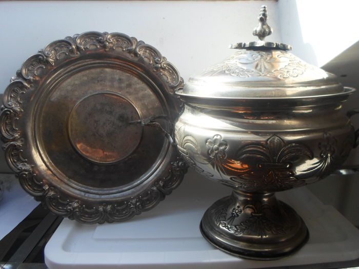 Silver plated tureen and dish early 20th century