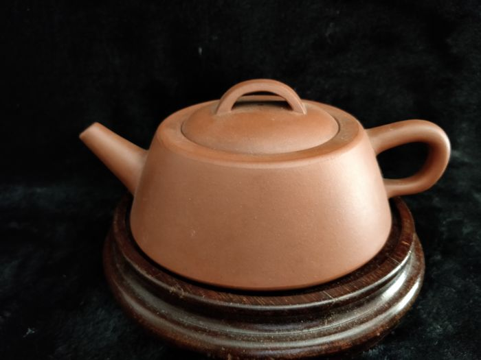 Yixing sandstone teapot - China - second half of the 20th century