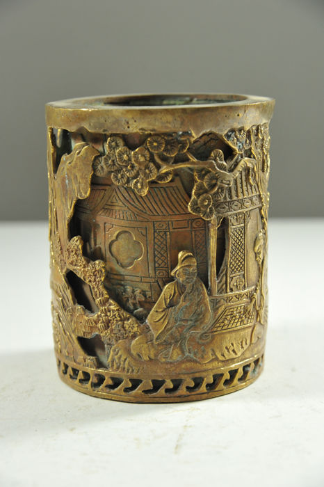 Large bronze brush pot - China - late 20th century
