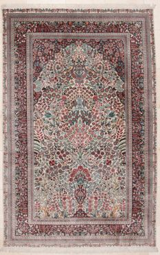 Hand-knotted Chinese silk rug - Very finely knotted - 152 x 244 cm - China - around 2000