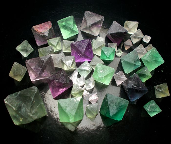 Large Collection of Fluorite Crystals - 10x8 mm to 34x26 mm - 1314 ct / 263 g (43)