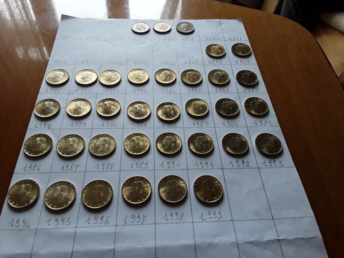 Republic of Italy - lot of 66 coins. Complete series of 35 x 20 Lire coins, oak branch in bronze, 1957-1958-1959 XF + from 1968 to 1999 UNC + 31 x 5 Lire coins, dolphin, from 1968 to 1998 UNC