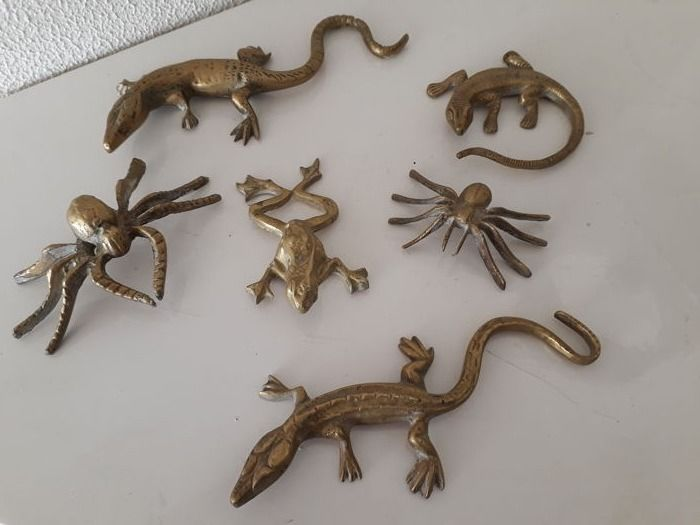 Six copper animals Spiders, salamanders and a frog - 1960s and 70s