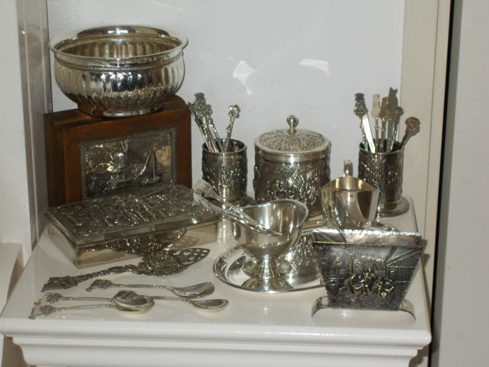 silver plated DE items spoon vases - tea canister - DE cream set - silver-plated biscuits/bonbon dish -six cows spoons and matching sugar scoop - DE spoons - filter bag holder - spoon box