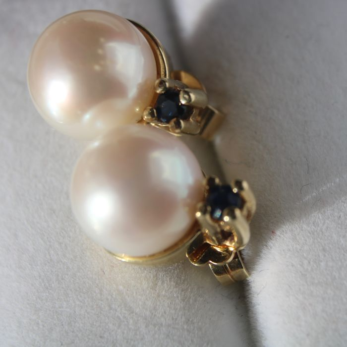 "Good quality Gold Earrings with sea/salty Japanese Akoya pearls 9.4mm ""AAA"" Top lustre set small blue Sapphires. Excellent state."