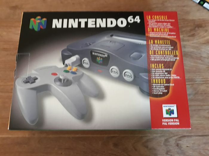 Nintendo 64 - boxed with 2 games mint in box