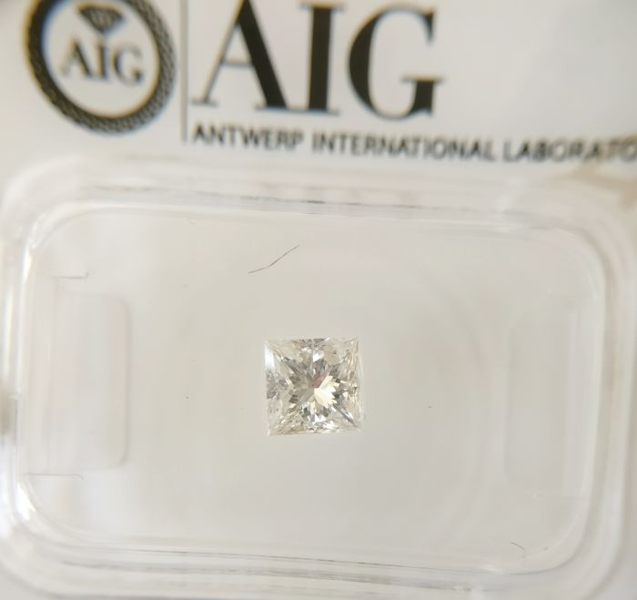 0.47 ct Princess cut diamond E SI3 ***No Reserve ***