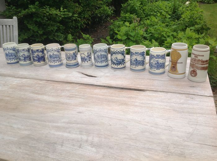 Heineken 12 x beer mugs and 5 x spatulas - ca. 2nd half 20th century