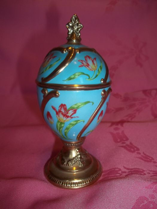 House of Fabergé Musical Egg - Tulip - Plays Tchaikovsky's Our Love - Very good condition