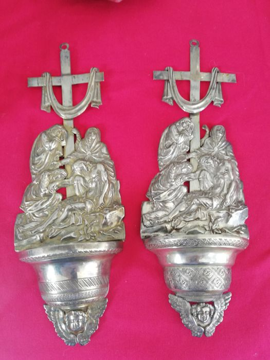 Pair of silver holy water stoups from Lombardy Venetia, Bozzolo Saverio, Milan, 1827-52