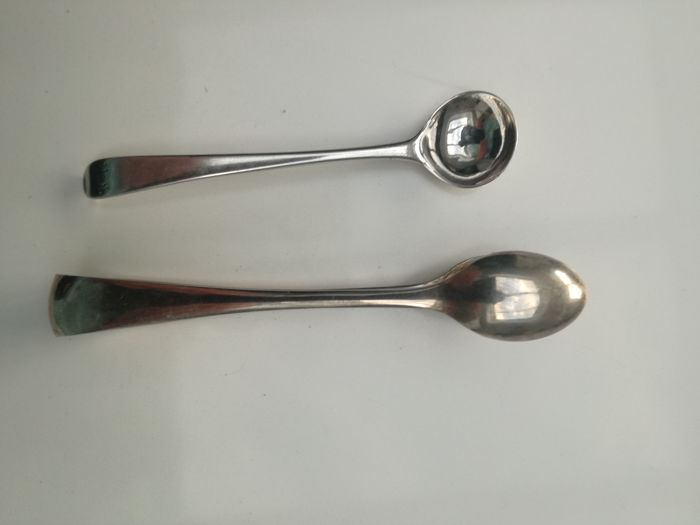 Victorian 1897 sugar tongs nips sterling silver Hallmarked and Bottom marked silver salt spoon 1770