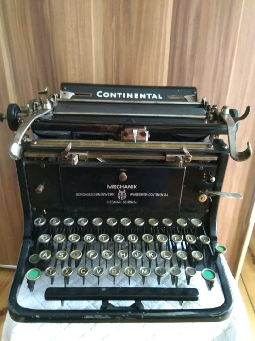 Continental-Walker typewriter from 1930