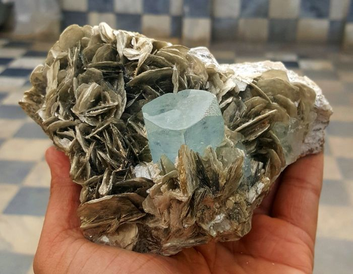 Non-Damage Terminated Aquamarine Crystal Cluster with Fluorite Combo Specimen - 126 x 108 mm - 1229 gm