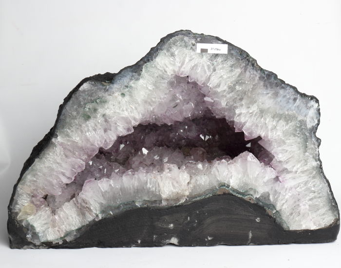 Rock crystal (quartz) Fine amethyst mountain kristal geode from Brazil - 47 x 30 x 17 cm - 27250 g