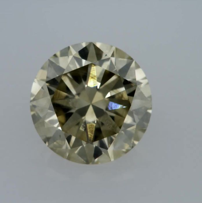 1.03 Carat Natural Fancy Yellowish Green VS2 Round Brilliant