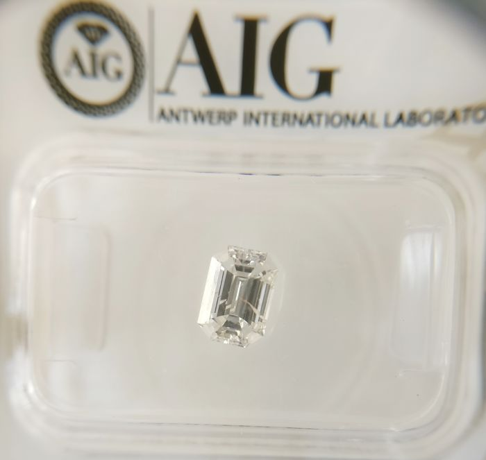 0.71 ct Emerald cut diamond F I1