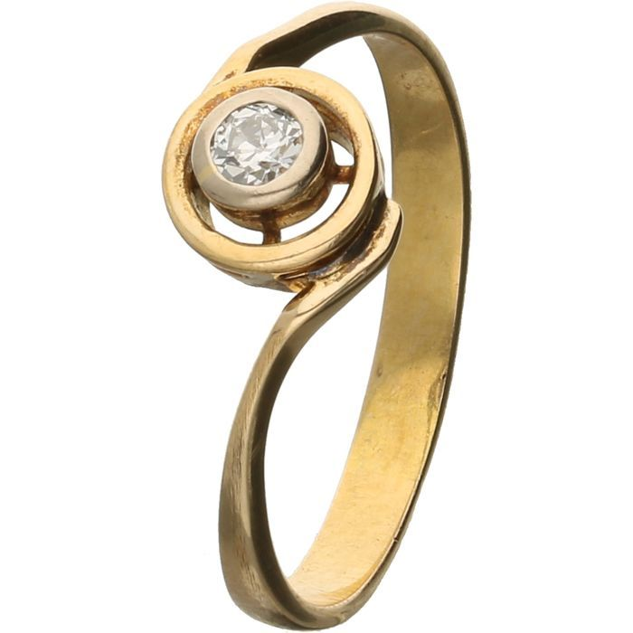 18 kt yellow gold solitaire ring with a brilliant of 0.10 ct, F-G VVS, ring size 18 mm - NO RESERVE