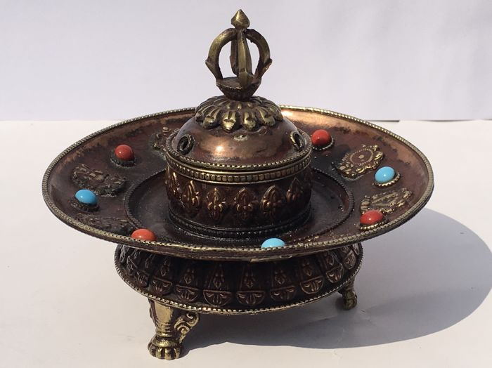 A Ritual Buddhist copper incense burner - Tibet - Late 20th century