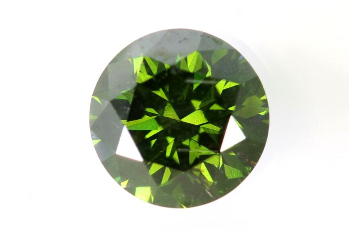 Fancy Dark Yellowish Green  Diamond - (Colour Treated) - 0.85 ct - SI2