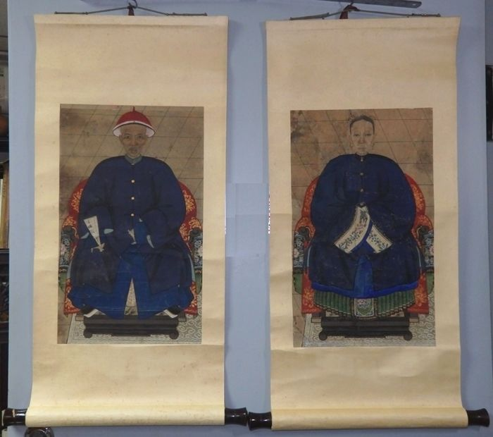 "Small-size  pair of Chinese Ancestor Portraits, with ""Certificate of Antiquity""  - China -  late 19th Century"