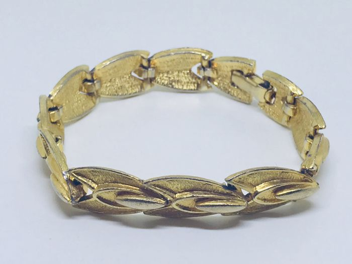 Vintage bracelet from 1960, with 18 kt gold-plating