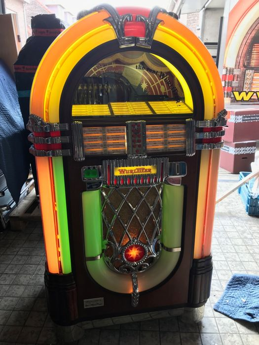Wurlitzer One More Time jukebox for singles - American model - end 1980s - beginning 1990s