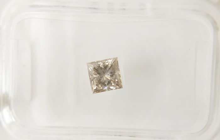 0.51 ct Princess cut diamond H VS2 *** No Reserve ***