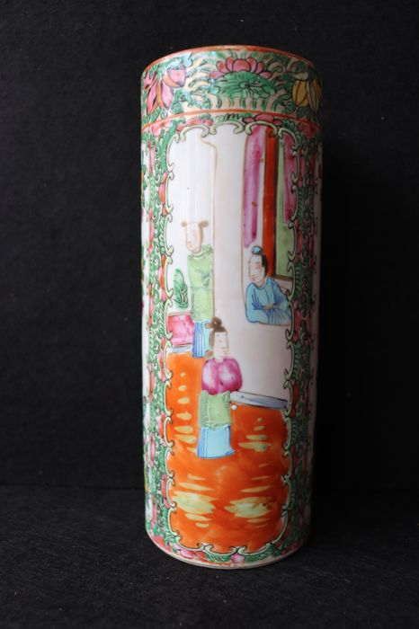 Brush pot porcelain - China - late 19th/early 20th century