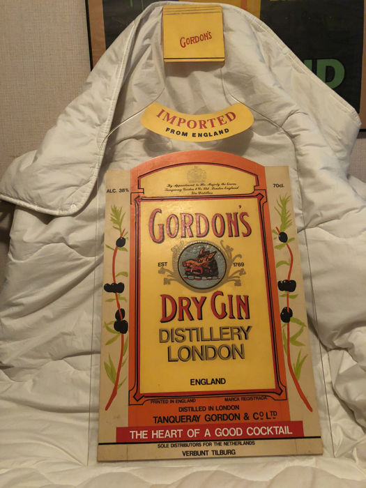 Advertising Gordon's Dry Gin