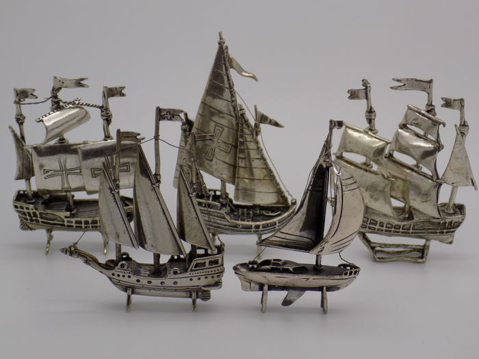 157g/5.5-oz. JOB LOT Vintage Solid Silver Italian Made 5 x Ship Sailing Ship Galleon Miniatures, Figurines, Stamped* SILVER GUARANTEED