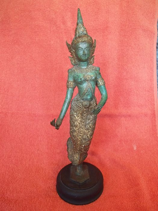 Beautiful bronze Nat on wooden foot (height 35 cm, weight 1.1 kg) - Thailand - late 20th century