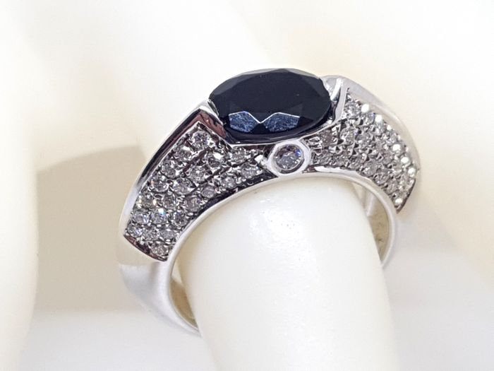 Piaget - Diamond and Blue Sapphire Ring - Ring Size 54 / 17,25mm