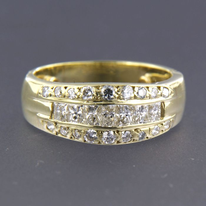 ea0c54346b584 - no reserve price - 14 kt yellow gold ring set with baguette and brilliant  cut diamonds of approx. 1.00 ct in total - Catawiki