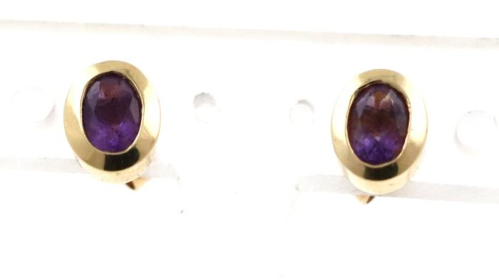 Vintage earrings 14 kt / 585 yellow gold with amethyst - 6.5 x 8.5 x 3.7 mm