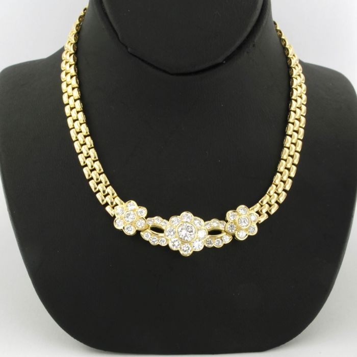 18 kt yellow gold necklace set with 35 brilliant cut diamonds, approx. 2.74 carat in total - 44 cm