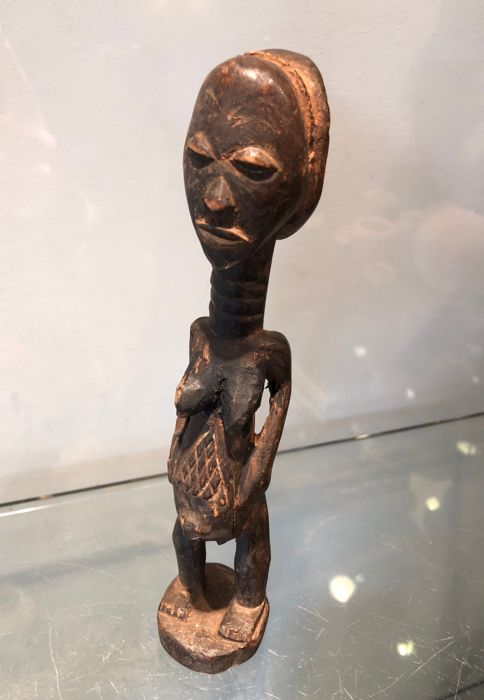 Very beautiful ancient wooden Figurine - LUBA - Former Belgian Congo