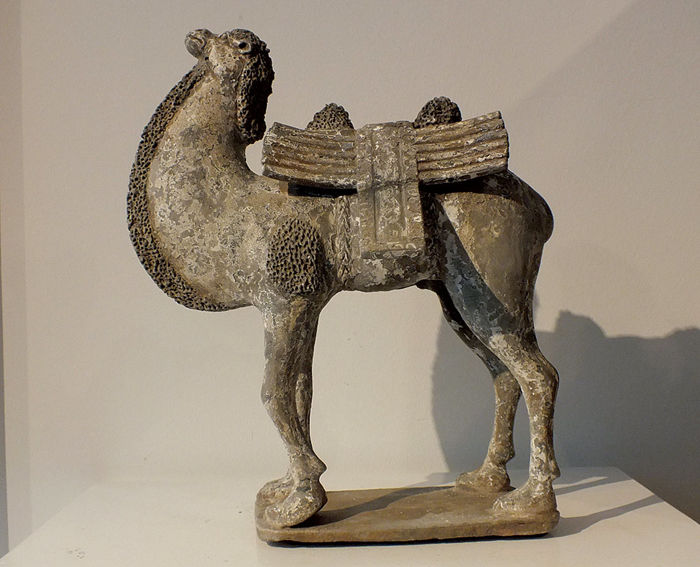 Extremely Rare Painted Gary Pottery Figure of a Bactrian Camel, Northern Wei Dynasty, H. 32 cm, L 26 cm.