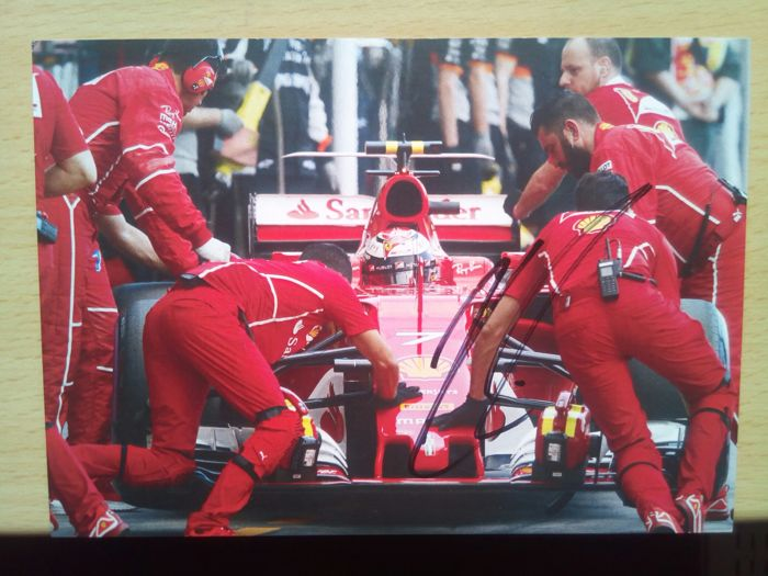 Card of Kimi Räikkönen with original signature