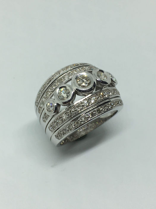 18 kt white gold ring with diamonds - Size 20 EU - 9 US