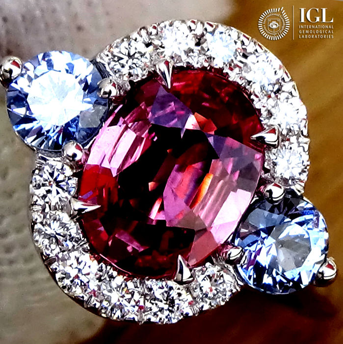 Sapphire Ring 1.78 ct Cocktail Diamond CEYLON PINK SAPPHIRE Gemstone in 18 kt white gold Size 6.5 US / 17 / 53 EU – Certified – ***No Reserve Price***Price