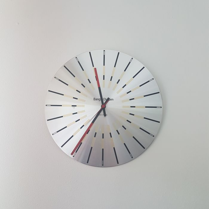 Jacob Jensen Beotime clock for Bang and Olufsen
