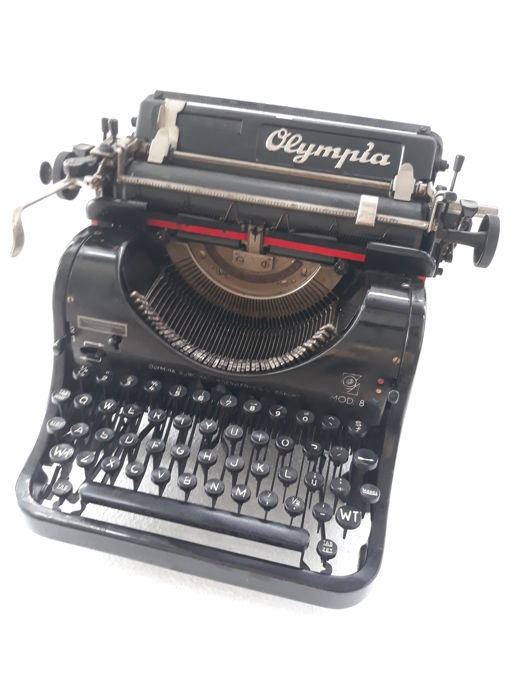 Beautiful Olympia type 8 typewriter from 1934