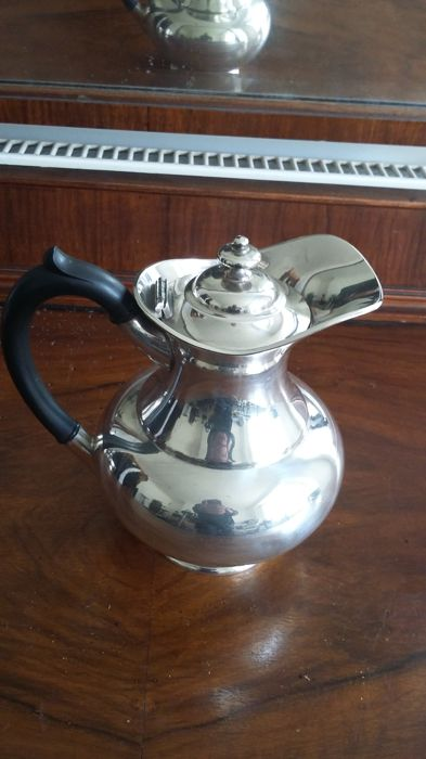 James dixon & son SHEFFIELD. silver plated EPBM watter jug made in england.
