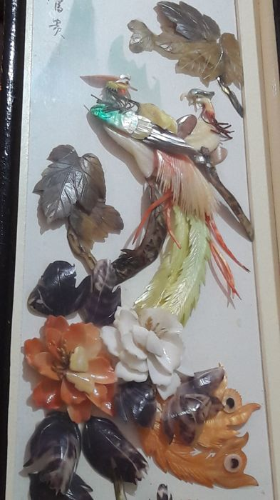 Panels (2) - Mother of pearl, semi-precious stones - Feathered exotic birds and flowers - China - Second half 20th century
