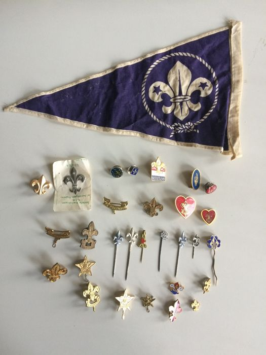 Collection of vintage Scout Association badges and pins -30 pieces